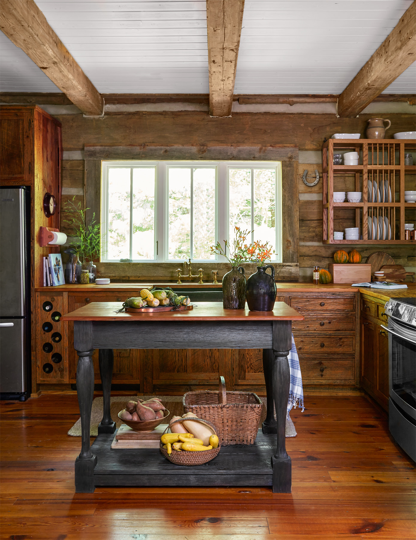 Julie and Jimmy Cash Log Cabin - Tennessee Log Cabin