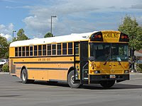 Xe buýt trường học của Trường học Alpine.JPG