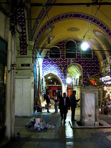 Grand Bazaar closing 4