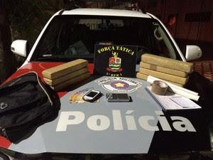 Apreende drogas Taubaté (Foto: Divulgação/ Polícia Militar)