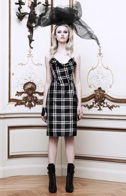 http://ris.fashion.telegraph.co.uk/RichImageService.svc/imagecontent/1/TMG10033260/m/VIVIENNE-WESTWOOD-_2550781a.jpg