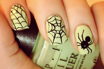 Super-Easy (and Super-Cute) Halloween Nail Art Ideas