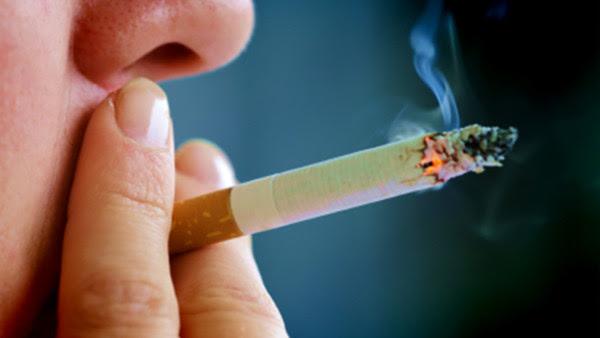 Una nueva norma excluye a obesos y fumadores del derecho a ser intervenidos quirúrgicamente, salvo en casos de urgencia. Se cuestiona la eticidad de la ley