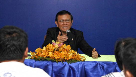 Acting CNRP leader Kem Sokha talks to supporters yesterday at the party's headquarters in Phnom Penh. Photo supplied