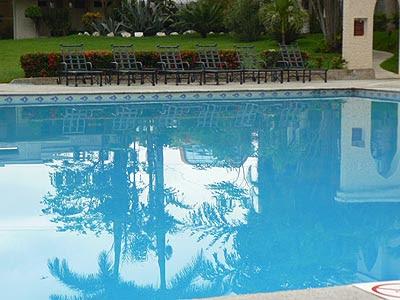 piscine Tuxla.jpg