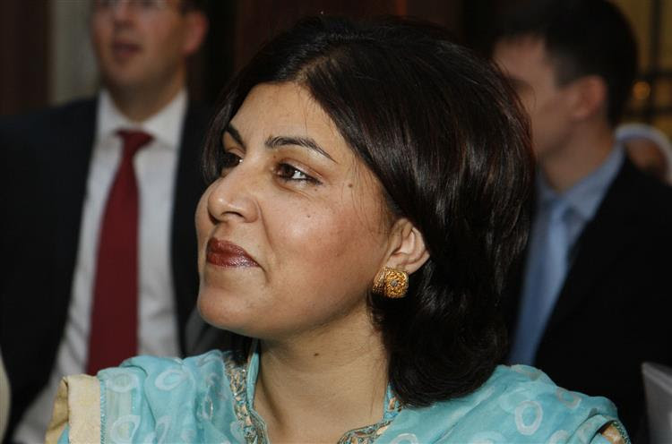Ministra britânica demite-se em protesto contra apoio de Londres a Israel