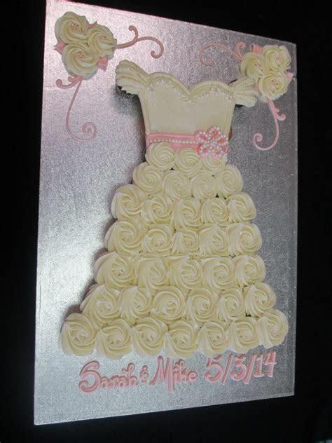 Pull Apart Wedding Dress Cupcake Cake   Cupcakes/Pull