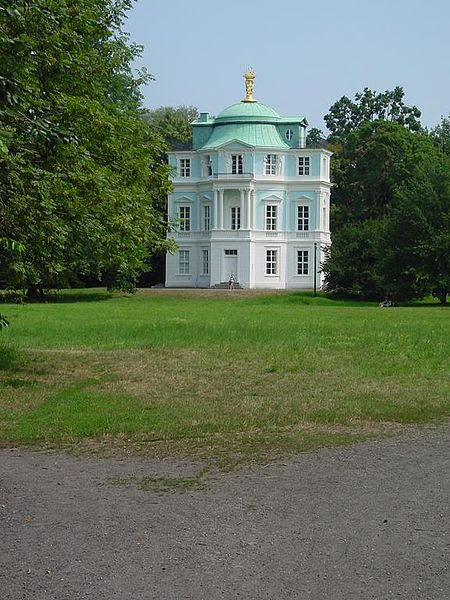 Archivo:Teehaus Belvedere im Charlottenburger Schlossgarten.jpg