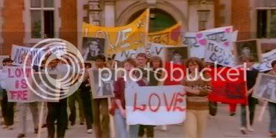 http://i347.photobucket.com/albums/p464/blogspot_images1/Romance/PDVD_037.jpg