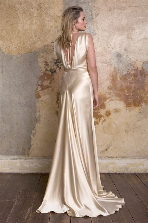 Romantic Vintage Wedding Dresses from Sally Lacock : Chic