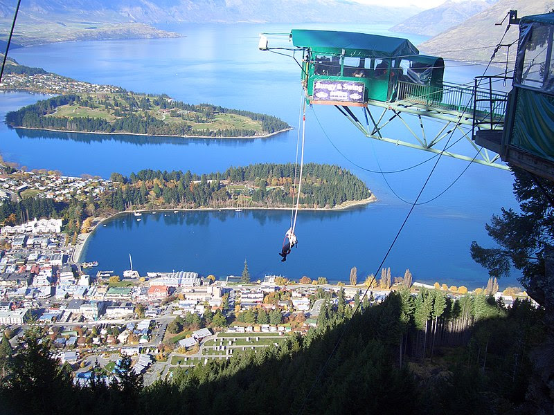 File:Ledge Bungy, Queenstown, New Zealand 01.jpg