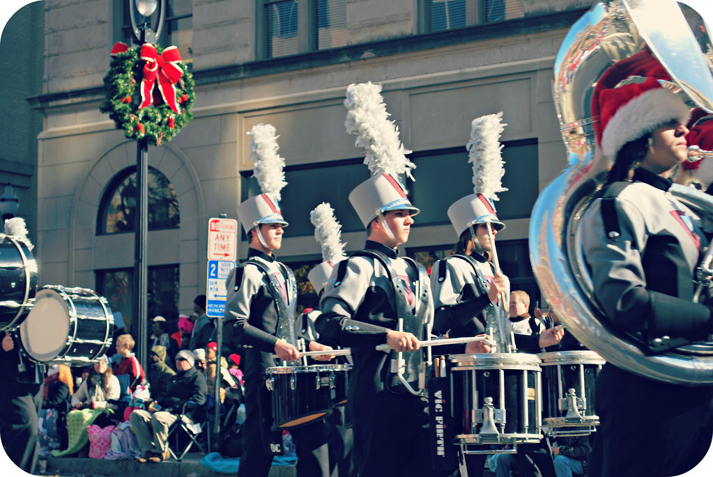 holidayparade2012_3
