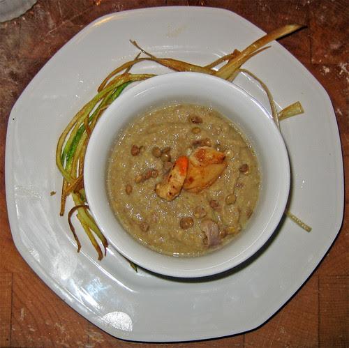 """crema di lenticchie con capesante e """"fieno fritto"""" di zucchine & porro by fugzu"""