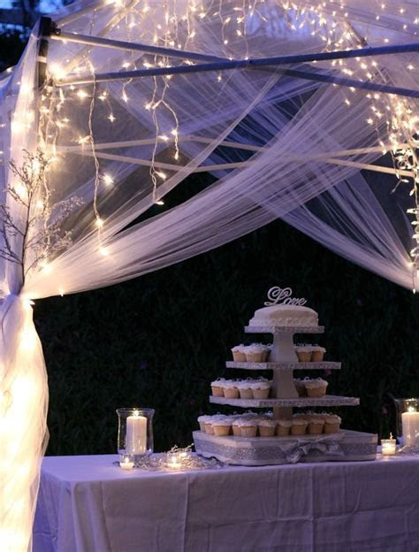 Simple yet elegant wedding reception decorations that make