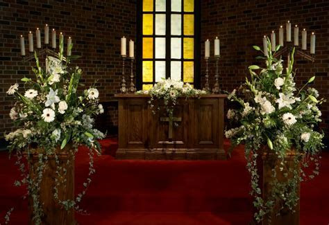 Wedding Chapel Flowers   Beautiful Wedding Venue Toronto