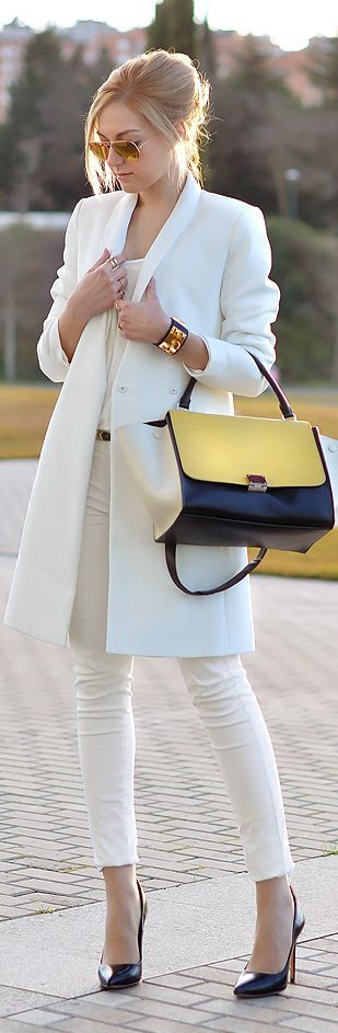 Winter Fashion 2014. Outfit by Oh My Vogue. This blogger created the most gorgeous outfit, perfectly showing how to wear your whites in winter. Stunning!! ::M::