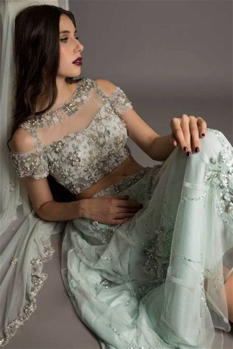 Indian Wedding Ideas & inspiration   Cold shoulder, Saree