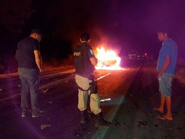 Acidente ocorreu em trecho da BR-242, em Luís Eduardo Magalhães (Foto: Sigi Vilares/Blog do Sigi Vilares)