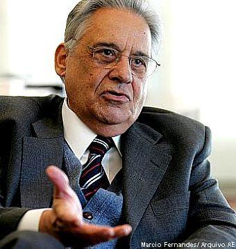 SAO PAULO/SP 05/09/2006 - 16:00 H - FHC / ENTREVISTA - VARIEDADES JT - Entrevista com ex Presidente da Republica, Fernando Henrique Cardoso em seu escritorio no Instituto.