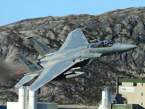 F-15 voando Estónia