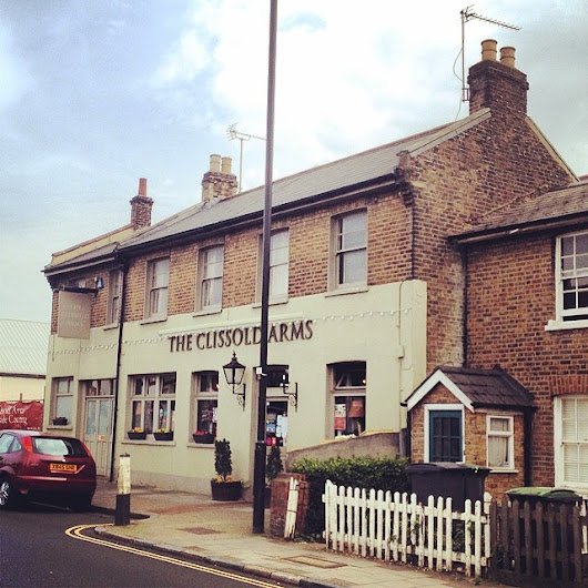 Clissold Arms... First ever gig by The Kinks was here in 1960 #1960 #thekinks #music #british #london #n2 #eastfinchley #pub