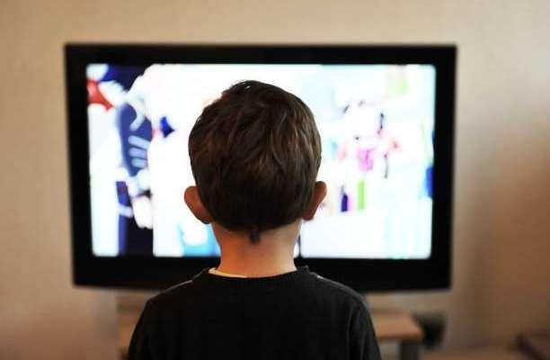 παιδί τηλεόραση