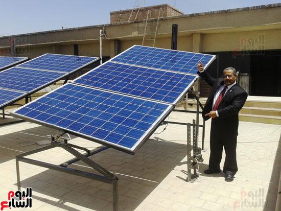 جامعة أسيوط تطبق الخلايا الشمسية المتحركة على أقسام كلية العلوم  (9)