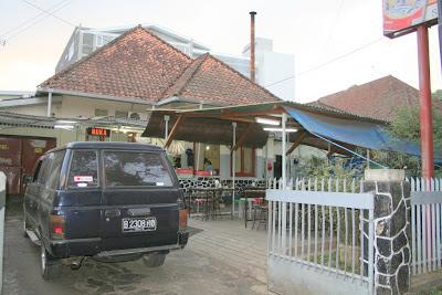 Aneka Jajanan di Indonesia.