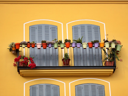 Terra Cotta Pots and Planters in Spain Make a Garden or Balcony Look Beautiful | Seriously Spain