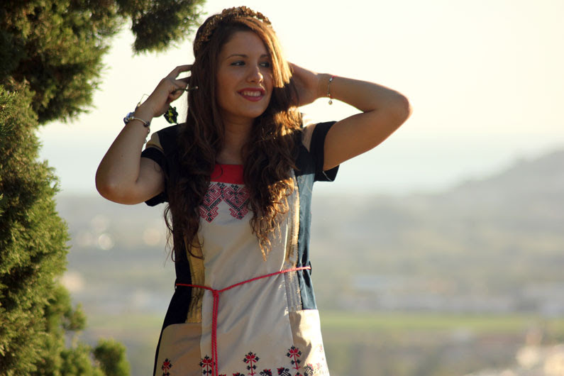 Rosalita-Mc-Gee-vestido-azul-y-rosa-heelsandroses-(5)