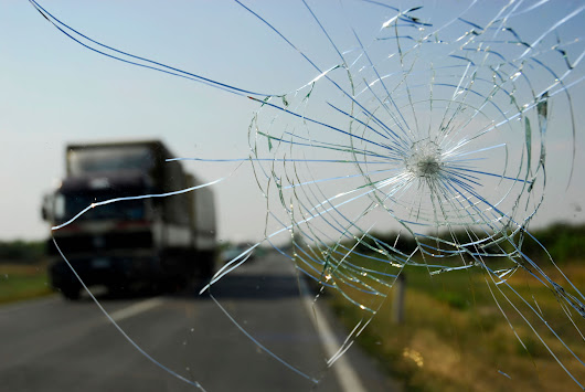 California Cracked Windshield Laws - California Car Laws