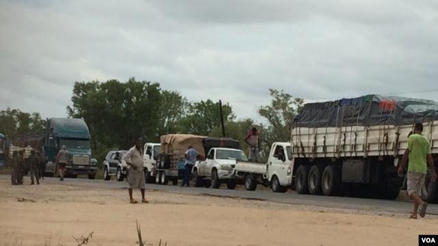 Estrada N1 Save-Muxúnguè, Sofala, Moçambique