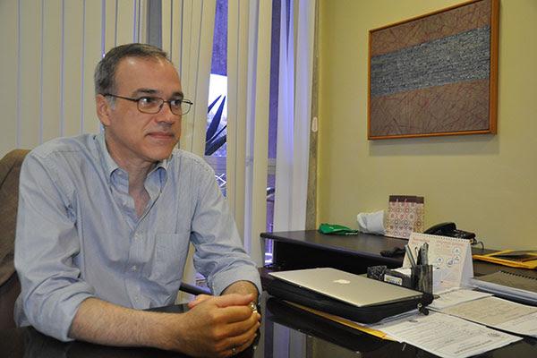 Resultado de imagem para professor José Daniel Diniz