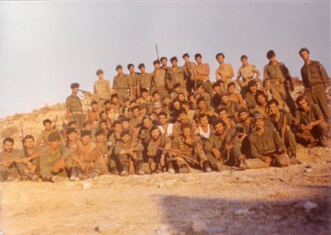 H ιστορία υπεράσπισης του χωριού Πυρόι, από μια διμοιρία του 13ου Λόχου Κρούσεως της 31ης Μοίρας Καταδρομών, η οποία αντιμετώπισε υπέρτερες (στους αριθμούς και μόνο) τουρκικές δυνάμεις.