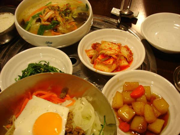 Doorae - fried egg dish, noodles, sides