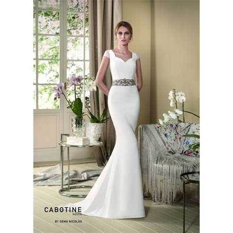 Cabotine Orquidea crepe wedding dress with lace cap sleeve