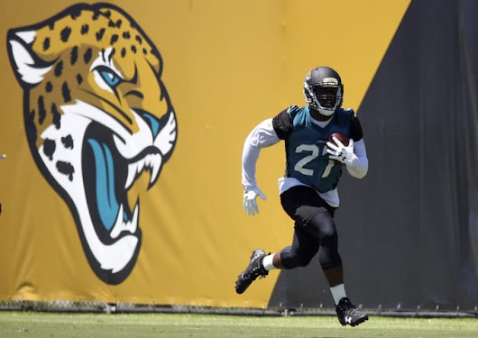Here's Why Jags Rookie Leonard Fournette Is Melting His Old Football Trophies