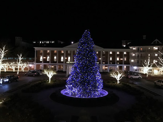 6 Ways to Celebrate a Traditional Christmas at Omni Bedford Springs Resort - Sand and Snow