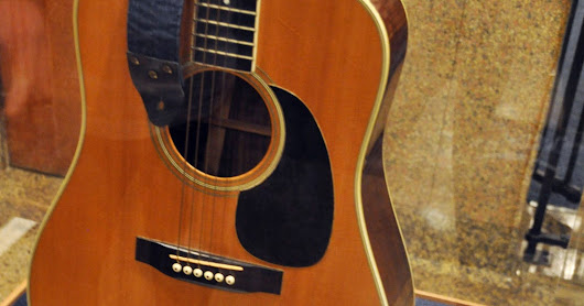 Elvis Presley guitar at center of court battle