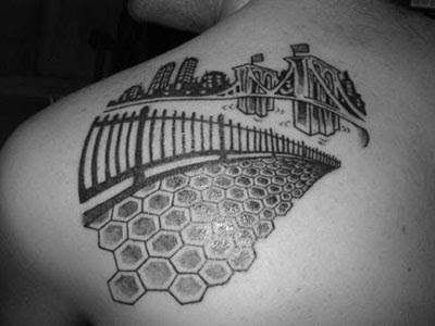 tattoo stretch marks
