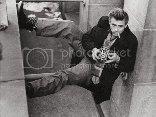 photo Celebrities-with-Their-Vintage-Cameras-13_zpsreelj66w.jpg