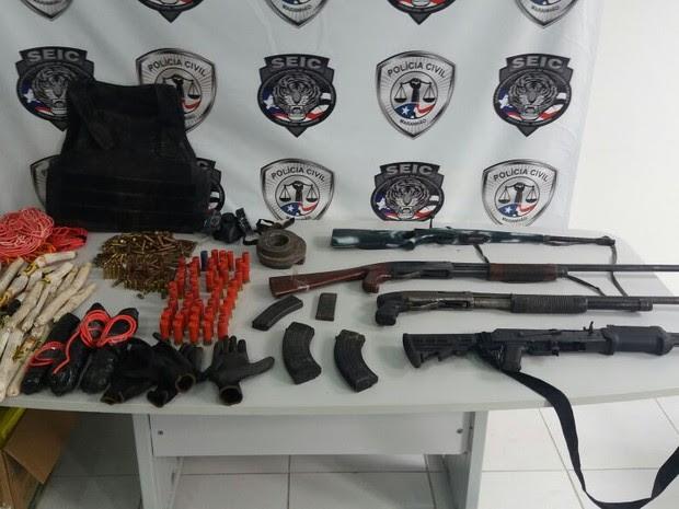Material apreendido pela a polícia durante operação em Santa Luzia (MA) (Foto: Divulgação/SEIC)