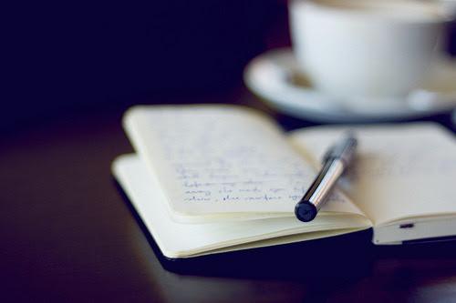 so-mais-um-garoto-apaixonado:   Lembre-se: As melhores histórias sempre possuem seus rabiscos.G.