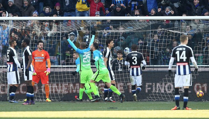 Gol da virada de Perisic em Udinese x Internazionale (Foto: Alberto Lancia/ANSA via AP)