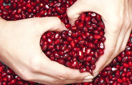 5 Reasons to Start Eating Pomegranates - So Good Blog