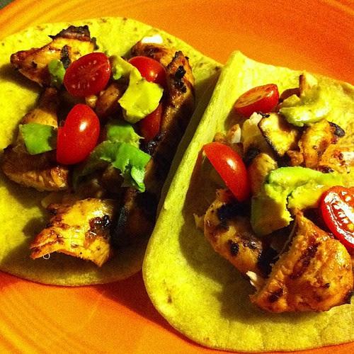 Chicken Fajitas on Roasted Jalapeño Tortillas #wfd