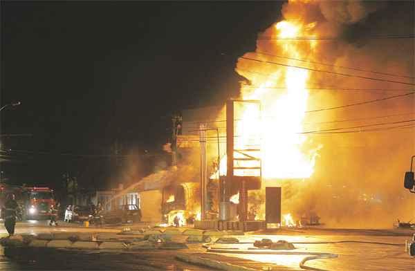Fogo, explosões  e pânico