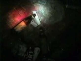 Poltergeist haunts scene of japanese ghost investigation / Poltergeist Asusta a Investigadores Paranormales Japoneses