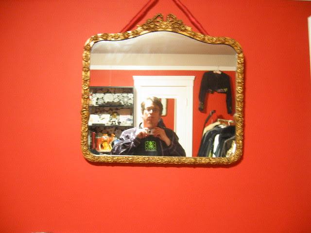 mikl in the mirror, wide shot
