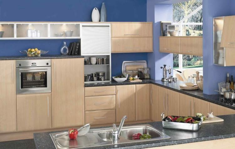 Farbe für Küche - Küchenwand in Kontrastfarbe streichen
